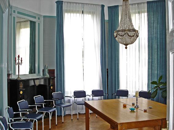 Blauwe kamer – 30m2 – 14-24 personen - Wifi