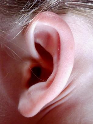 Tinnitus, ga er zelf mee aan de slag met de Tinnitus Adem Therapie. Kijk op www.tinnitusademtherapie.nl
